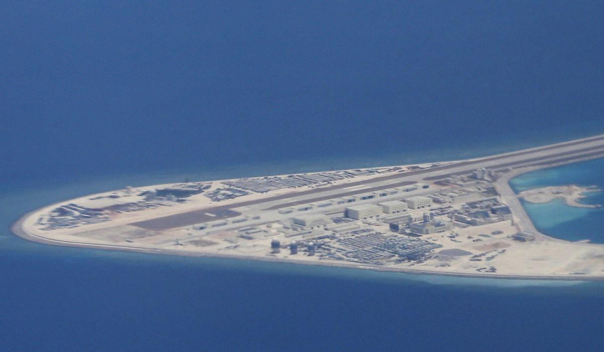 Gia cố kết cấu công trình và bảo vệ khí tài bị ăn mòn trên biển Đông