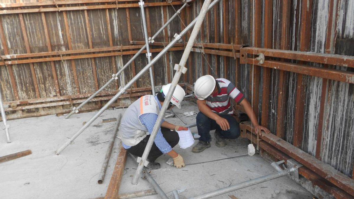 Nghiệm thu ván khuôn vách bê tông cốt thép