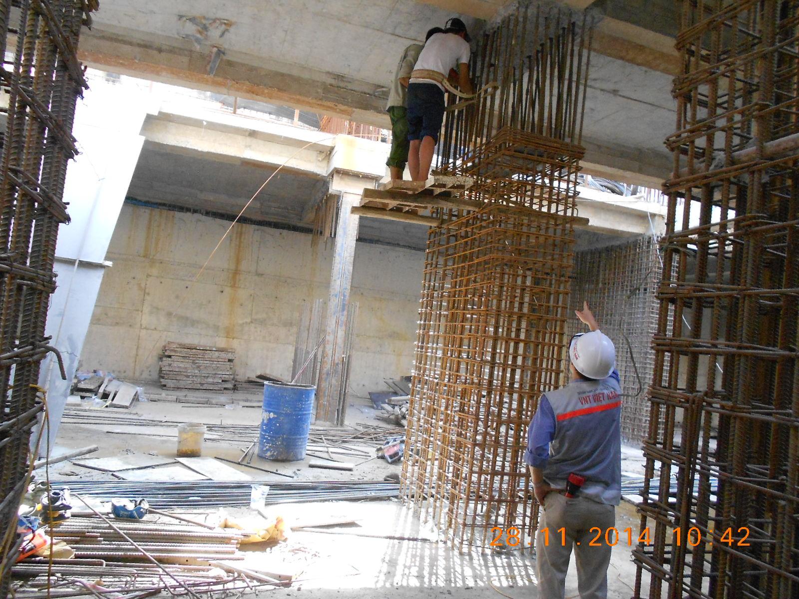 Kiểm tra, đôn đốc nhà thầu trong quá trình lắp dựng cốt thép cột