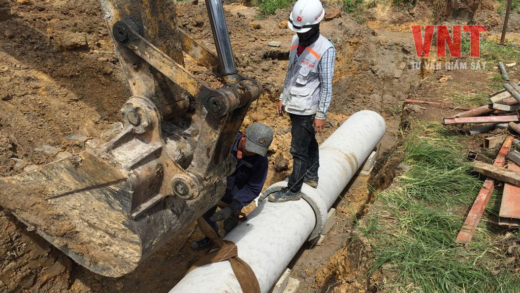 Giám sát thi công lắp đặt đường ống thoát nước