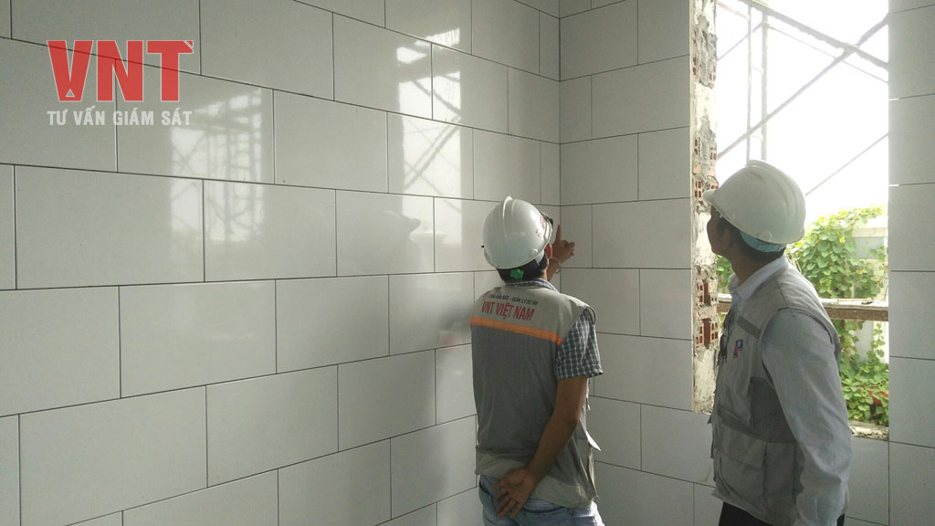 Nghiệm thu công tác ốp gạch tường Nhà nghỉ chuyên gia