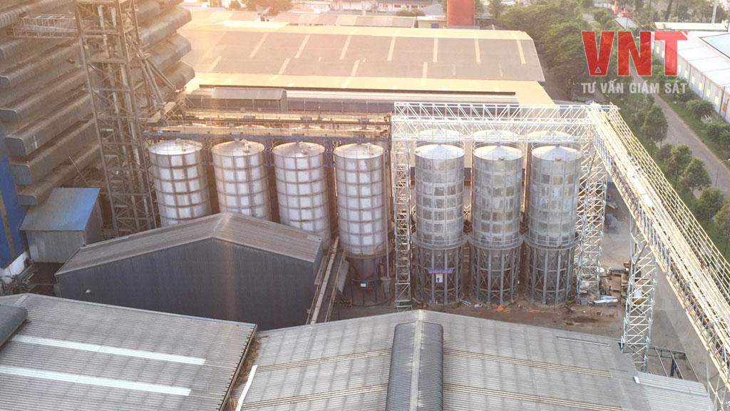 Hình ảnh cụm bồn silo thép sau khi lắp đặt hoàn chỉnh