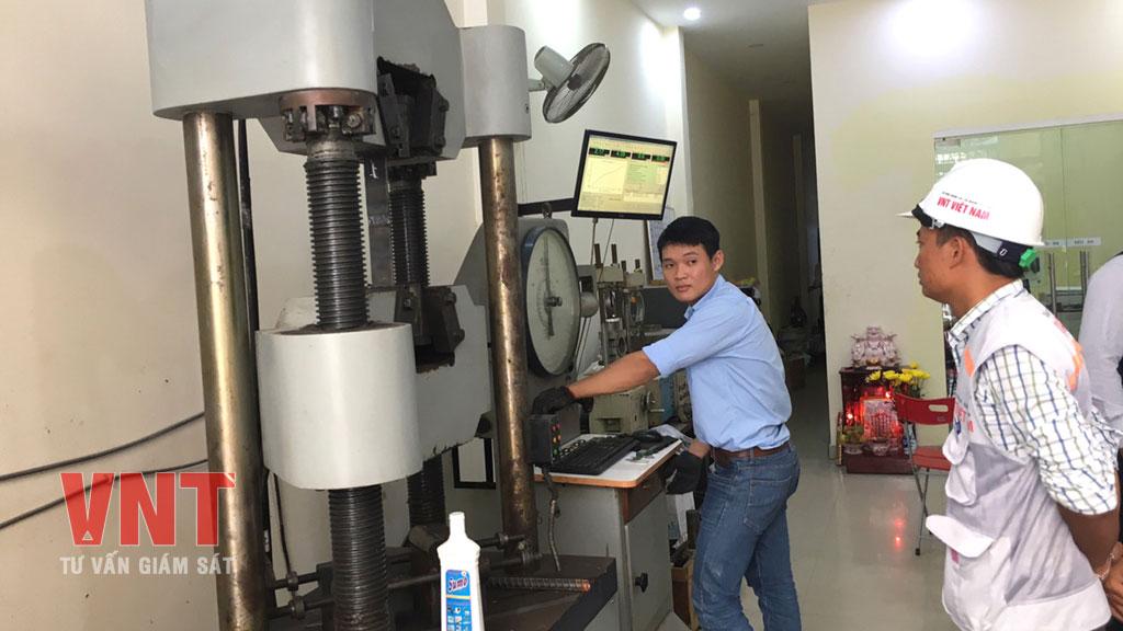 Giám sát thí nghiệm kiểm tra cường độ chịu kéo, uốn của thép