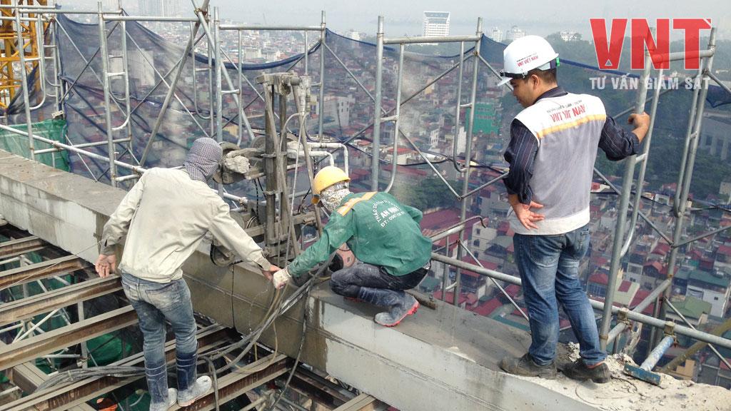 Giám sát thi công cắt bê tông dầm bằng máy cắt dây kim cương