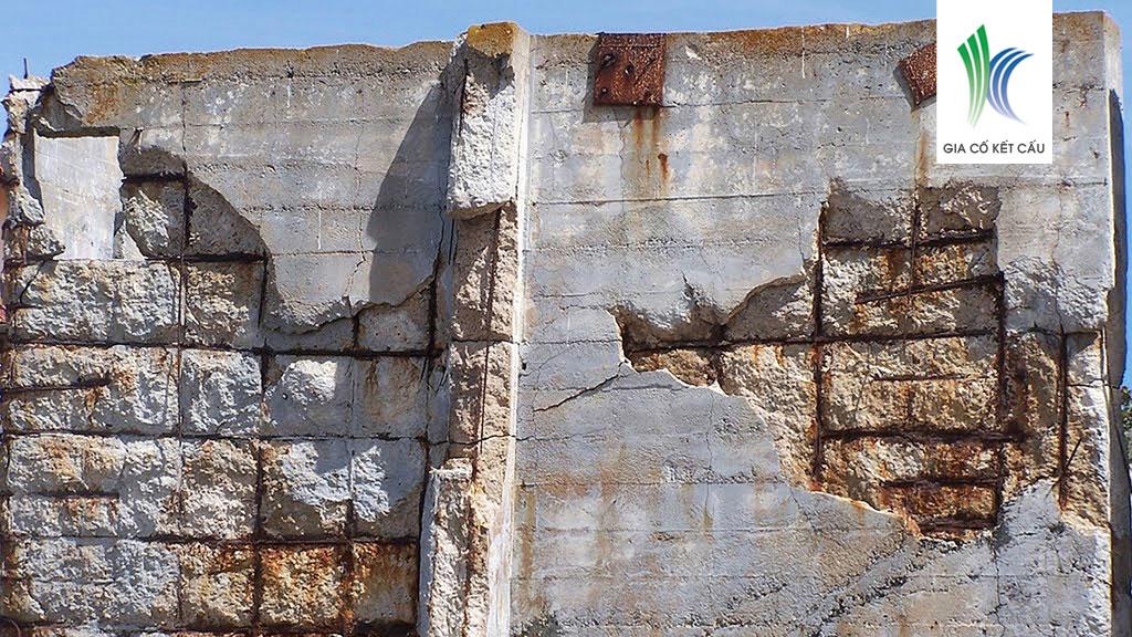 Môi trường biển ăn mòn tường bê tông