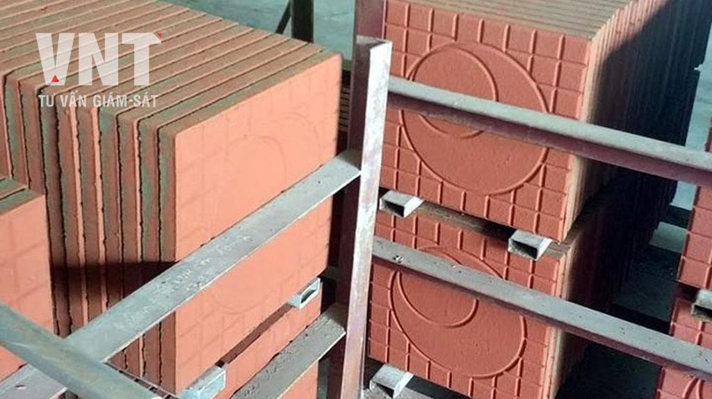 Gạch lát không nung cũng được sản xuất từ 70- 80% nguyên liệu là nguồn tro xỉ nhà máy điện