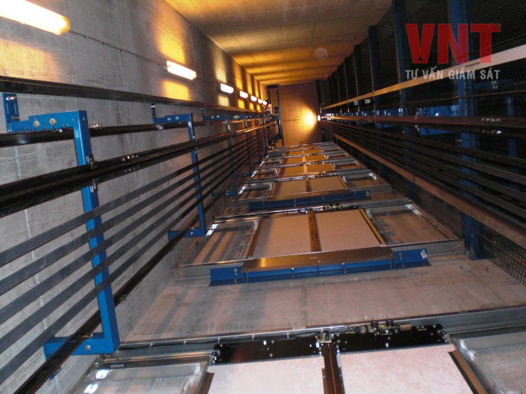 Hệ thống chiếu sáng trong giếng thang