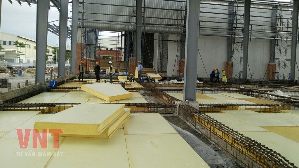 Giám sát thi công panel PU nền kho lạnh của nhà máy chế biến thực phẩm