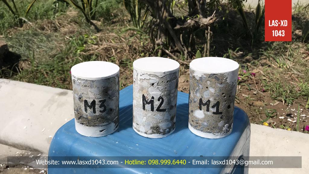 3 mẫu bê tông được gia công, capping hoàn chỉnh trước khi chuẩn bị đưa vào máy kiểm tra cường độ nén