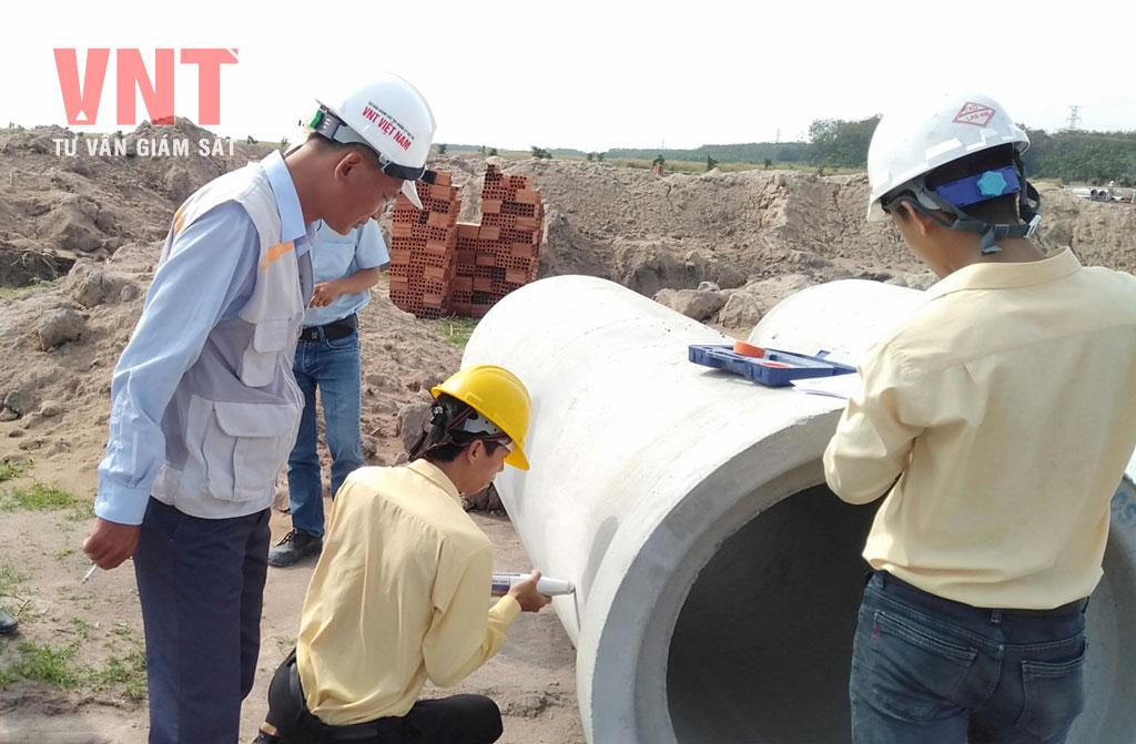 Giám sát thí nghiệm kiểm tra cường độ bê tông cống thoát nước trước khi sử dụng