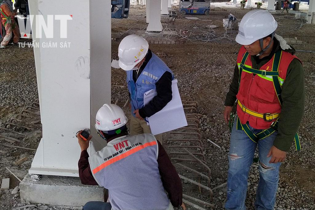 Kiểm tra chiều dày sơn phủ chống cháy kết cấu thép